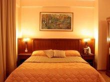 Apartament Șișterea, Hotel Maxim