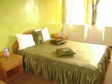 Accommodation Cireași, Casa Rosa