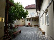 Hostel Bistrița Bârgăului Fabrici, Internatul Téka